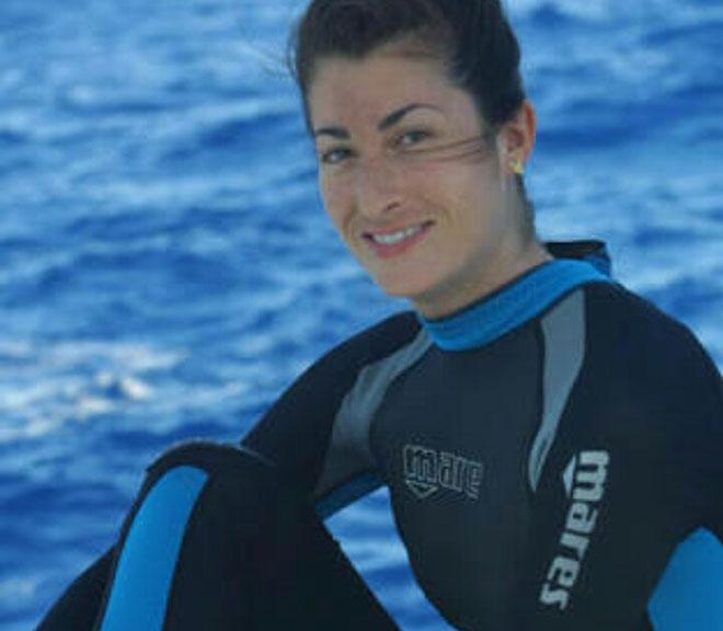 Thế giới bàng hoàng: Nữ thợ lặn xinh đẹp bỏ mạng ở độ sâu 171m - 1