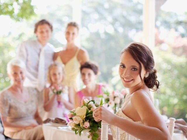 Người đàn ông phát nhầm phim khiêu dâm ở đám cưới nhà bạn gái