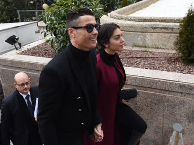 Nóng: Ronaldo và mỹ nhân rời Juventus, bất ngờ về Madrid làm điều khó ngờ