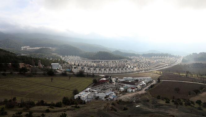 """Xót xa """"làng biệt thự"""" 200 triệu đô tuyệt đẹp bị bỏ hoang - 1"""