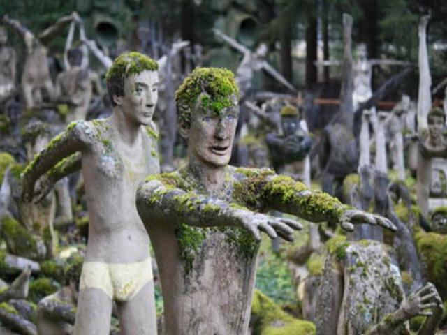 Công viên kỳ dị nhất thế giới, hàng trăm bức tượng khỏa thân nằm la liệt