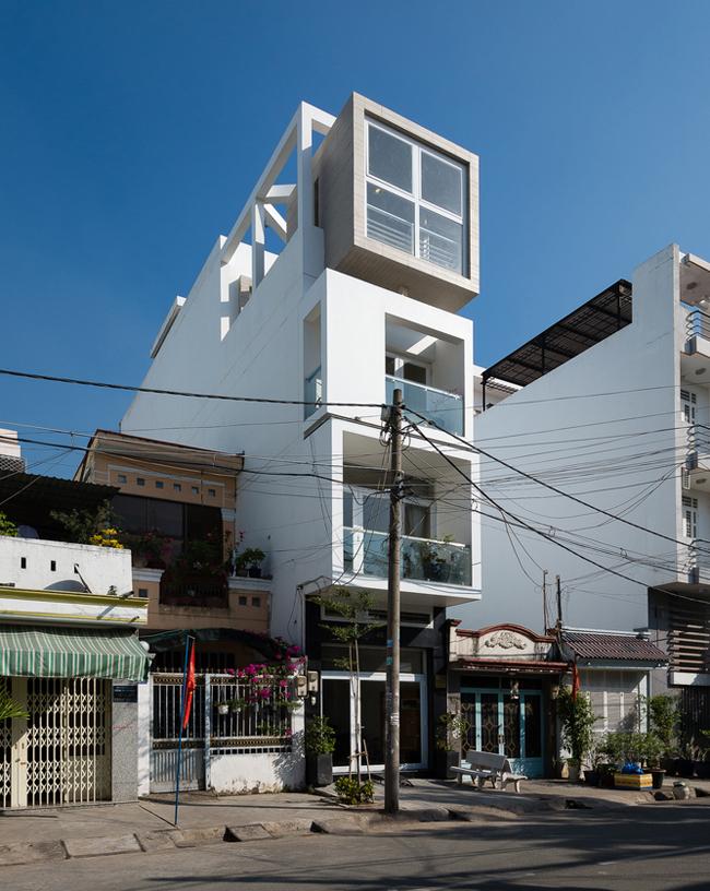 Nhà ống là mộttrong những kiểu nhà phổ biến nhất ở các thành phố lớn như TP Hồ Chí Minh, ngôi nhà này cũng không ngoại lệ.