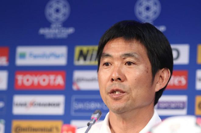 Họp báo Nhật Bản đấu Việt Nam: HLV Moriyasu ngó lơ Park Hang Seo, ca ngợi Miura - 1