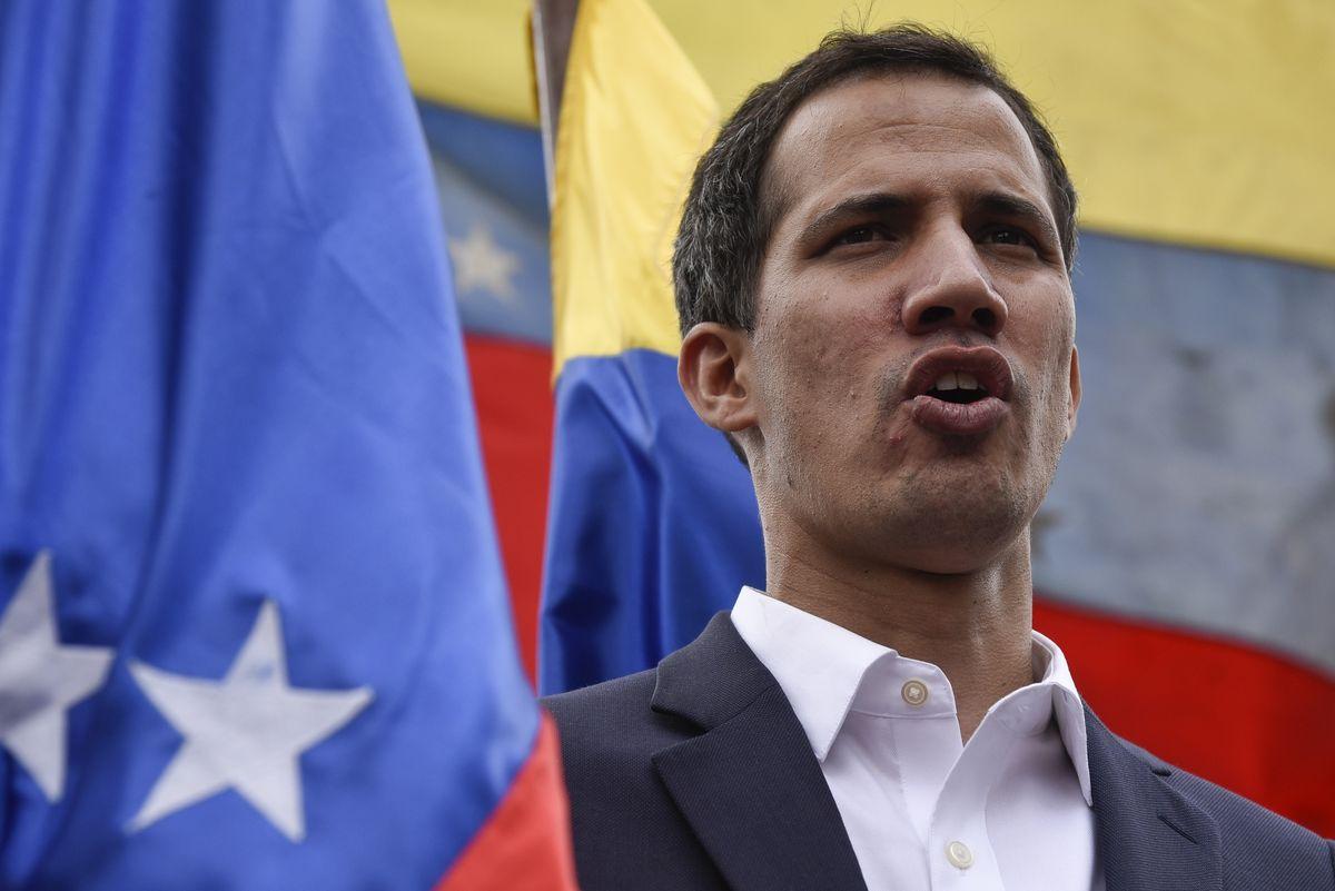 """""""Cậu bé 35 tuổi"""" tự nhận là Tổng thống lâm thời Venezuela là ai? - 1"""