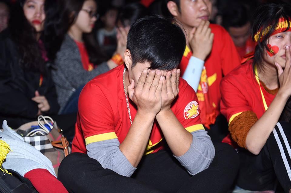 """Không thể quật ngã """"gã khổng lồ"""" Nhật Bản, triệu fan vẫn tự hào về đội tuyển Việt Nam - 8"""