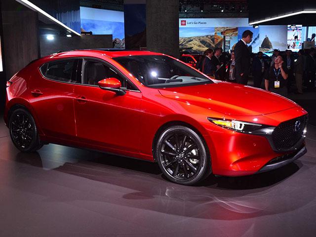Mazda công bố giá bán chính thức cho Mazda 3 2019 thế hệ mới từ 483 triệu đồng