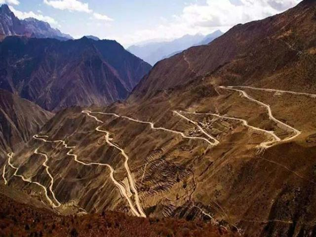 Its construction takes 58 years, but this is still the most dangerous road in China