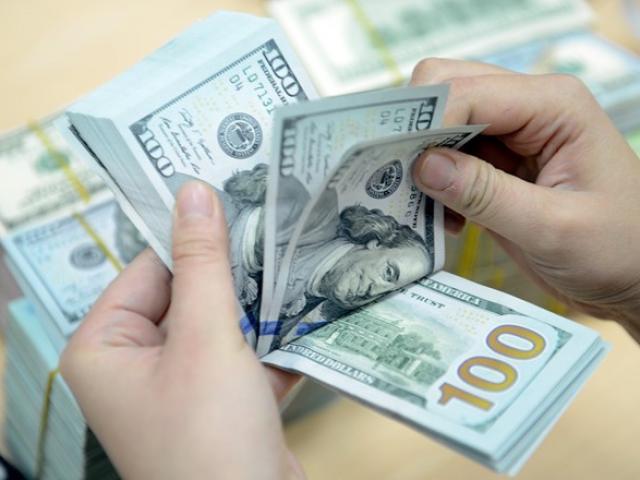 """Tết Nguyên Đán cận kề: Tiền Đô dồi dào, tiền đồng """"căng"""" như thường lệ"""