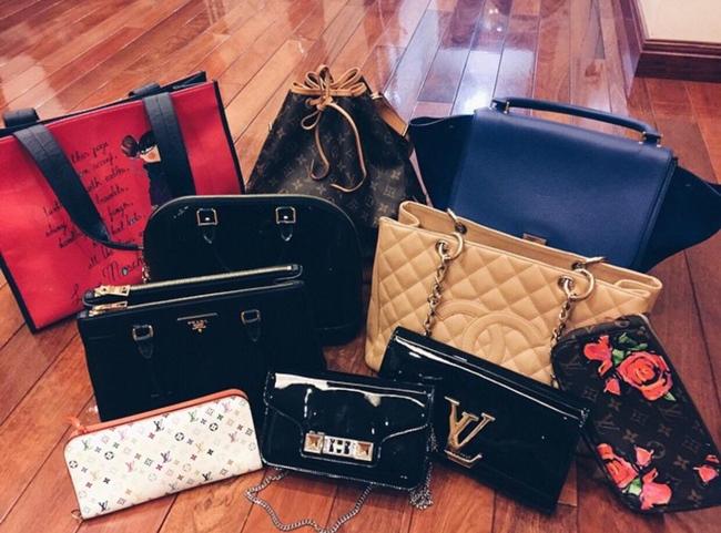 Bộ sưu tập túi hàng hiệu của bạn gái Đỗ Duy Mạnh khiến nhiều cô gái phải ghen tỵ.