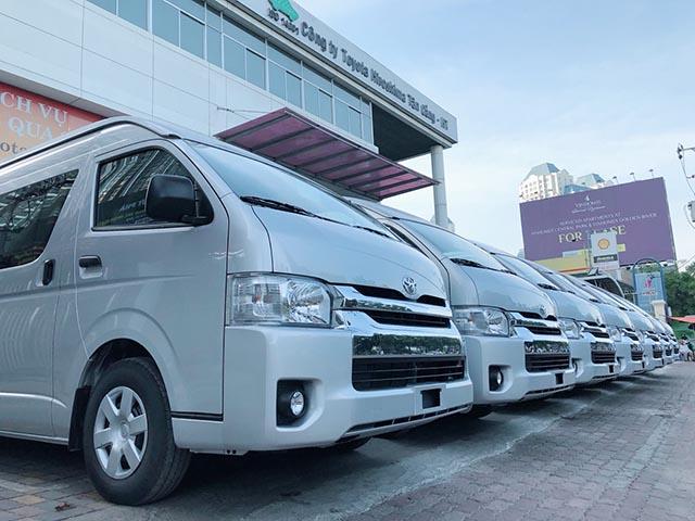 Hãng xe du lịch mua lô xe Toyota 200 tỷ đồng phục vụ hành khách