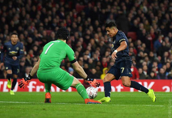 Arsenal - MU: Đôi công hấp dẫn, choáng váng 2 phút 2 bàn - 1