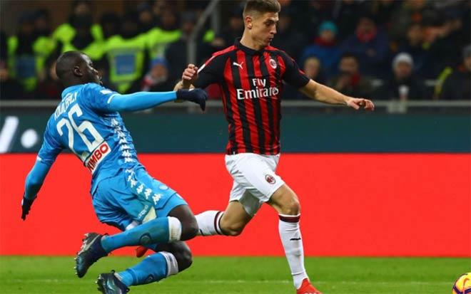 """AC Milan - Napoli: Hai """"cá"""" tranh nhau, ngư ông đắc lợi - 1"""