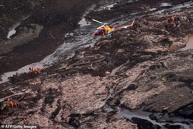 """Khoảnh khắc lôi người khỏi """"biển bùn"""" Brazil sau vụ vỡ đập khiến 40 người chết - 1"""