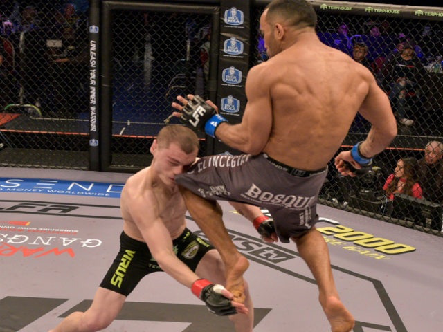 MMA mãn nhãn: Choáng váng 40 giây, ngất lịm vì đầu gối bay Brazil