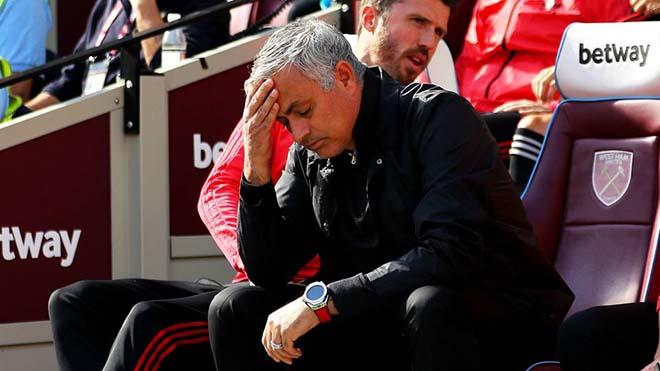 """Mourinho & canh bạc cuộc đời: Bị MU phụ bạc, trở lại Real để """"tái sinh"""" - 1"""