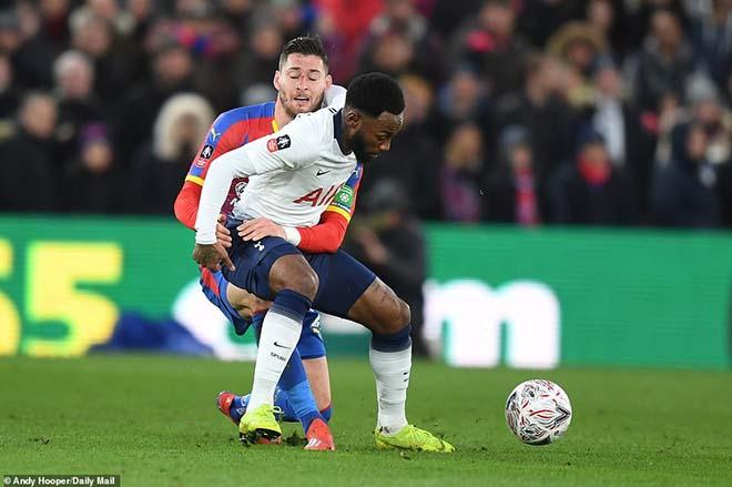 Crystal Palace - Tottenham: Đá hỏng penalty, nhận 2 đòn đắng ngắt - 1