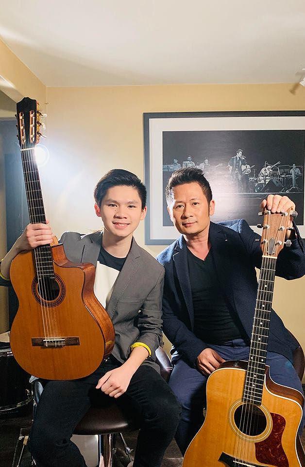 Bằng Kiều khoe con trai bảnh bao, đệm guitar cho bố 'cực nuột' - 1
