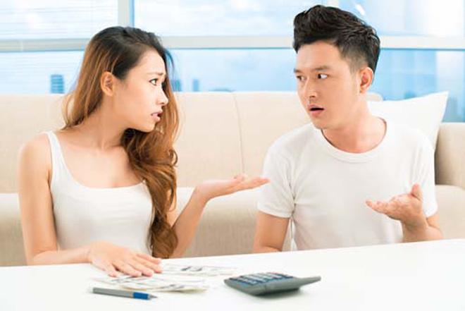 Nhận thưởng Tết, chồng biếu nhà nội 18 triệu nhưng chỉ biếu nhà ngoại 500.000 đồng - 1