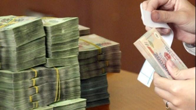 Việt Nam phải chi 1,8 tỷ đô trả nợ trong tháng giáp Tết - 1