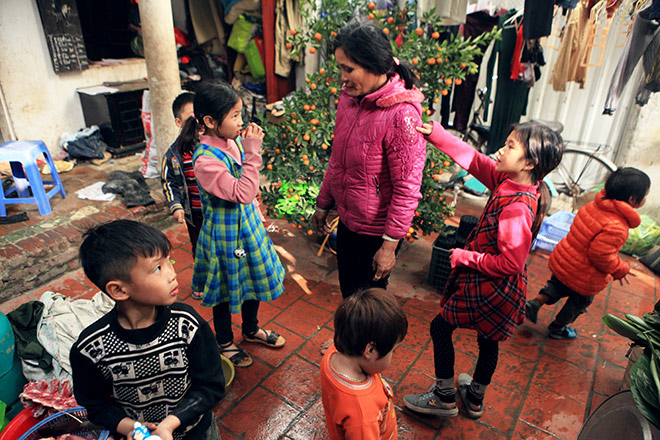 Hanoi's mother has 14 children: