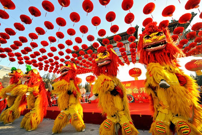 In addition to Vietnam, how do other countries welcome Lunar New Year? - 1