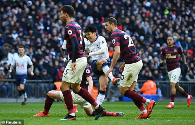 """Tottenham - Newcastle: """"Người hùng châu Á"""" rực sáng, vỡ òa phút 83 - 1"""