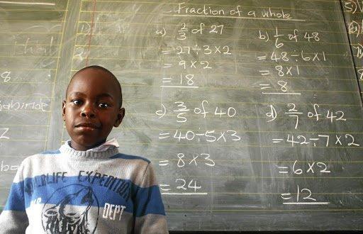 Chỉ mới 10 tuổi nhưng thần đồng toán học này đã kiếm ra số tiền khổng lồ - 1