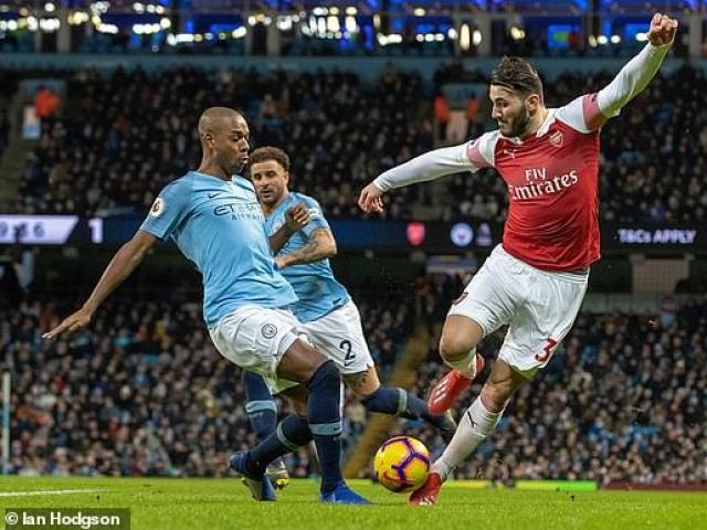 Man City - Arsenal: Siêu sao thăng hoa, bước ngoặt gây tranh cãi