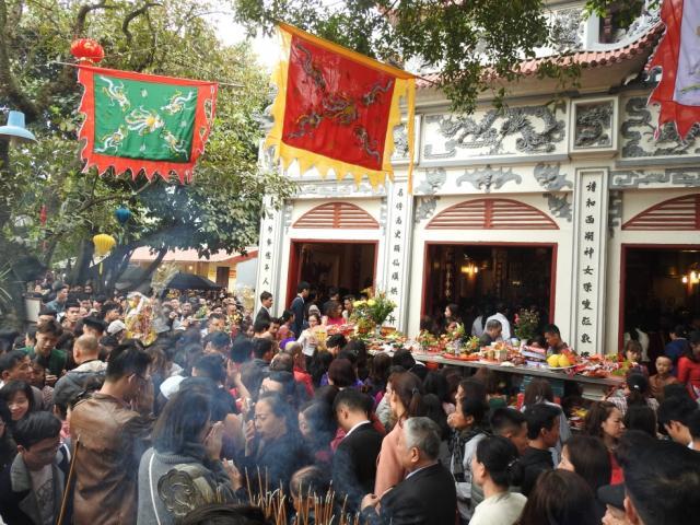 Những ngôi chùa nổi tiếng linh thiêng cầu may dịp năm mới ở miền Bắc
