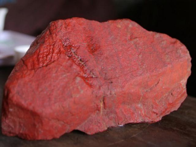 Huyền thoại 2 lá cờ đá hồng ngọc trong Lăng Bác Hồ