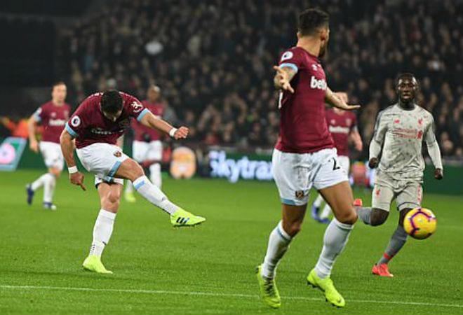 West Ham - Liverpool: Phối hợp đẳng cấp đánh lừa siêu thủ môn - 1