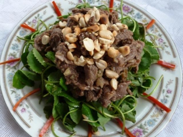 Cách làm gỏi rau má trộn thịt bò giải nhiệt ngày nắng nóng