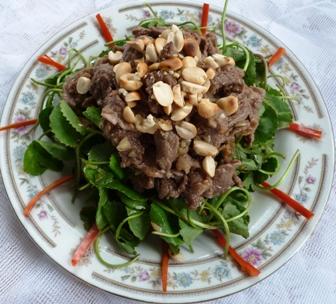 Cách làm gỏi rau má trộn thịt bò giải nhiệt ngày nắng nóng - 1