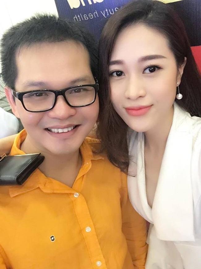 Người đẹp Cẩm Nhung là một gương mặt không mới trong làng showbiz Việt bởi cô từng góp mặt trong nhiều đĩa hài Tết hay các sự kiện trình diễn thời trang.Sau khi tham gia Hãy chọn giá đúng, Cẩm Nhung chuyển sang đóng phim hài.