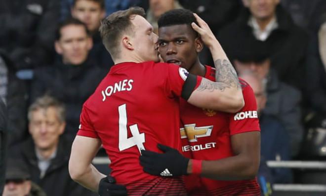 Fulham - MU: Cú đúp siêu sao, penalty hạ màn - 1