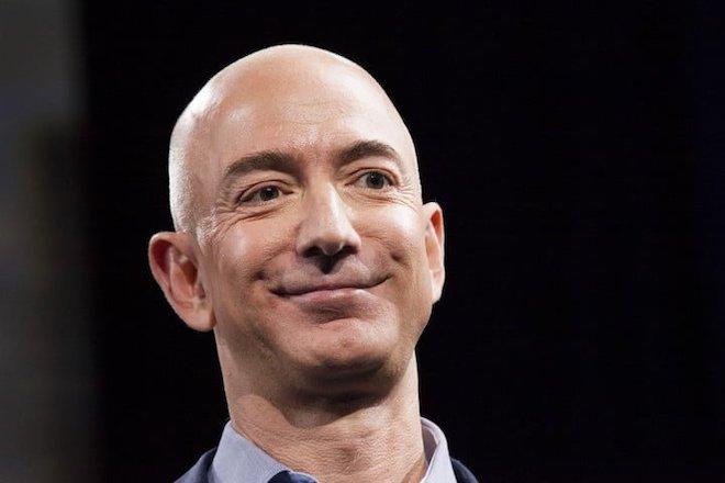 CEO Amazon bị đe dọa tung ảnh nude với người tình - 1