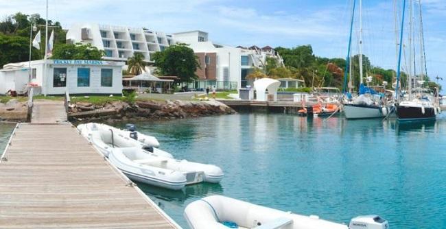 Khu nghỉ dưỡng này là ý tưởng của tỷ phú người Ai Cập Naguib Sawiris, người thường xuyên lái siêu du thuyền của mình đến hòn đảo này.