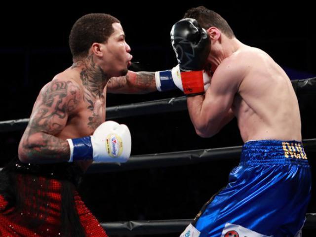 """""""Cỗ xe tăng"""" boxing: Toàn thắng 21 trận, 20 lần ủi bay kẻ ngáng đường"""