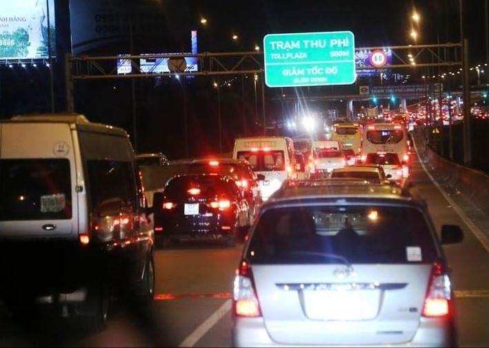"""""""Cấm cửa"""" 2 xe trên cao tốc: Tổng Cục đường bộ nói VEC sai, phải thu hồi quyết định - 1"""