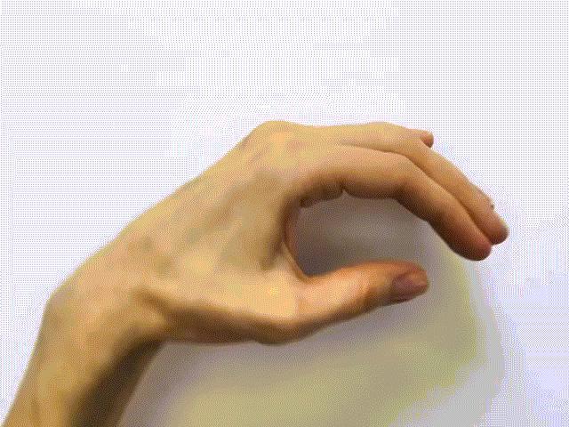Những tác phẩm nghệ thuật độc đáo được sáng tạo từ khuôn bàn tay