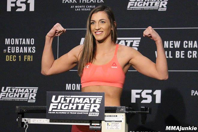 """Mỹ nhân mới """"ra lò"""" của UFC: Trẻ trung, xinh đẹp và đánh cực hiểm - 1"""