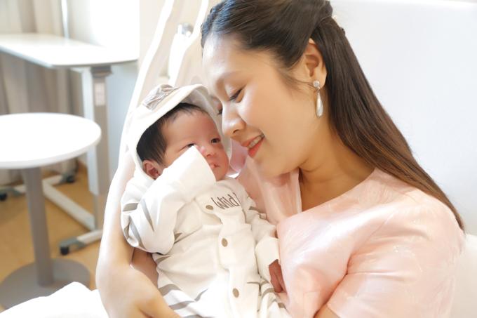 Loạt người đẹp Việt sinh con năm Kỷ Hợi, bất ngờ nhất không phải Nhã Phương - 1