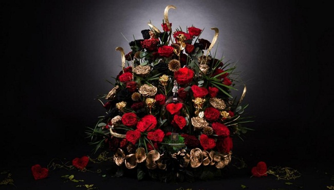 Quà Valentine siêu đắt: Bó hoa gần 598 triệu đồng - 1