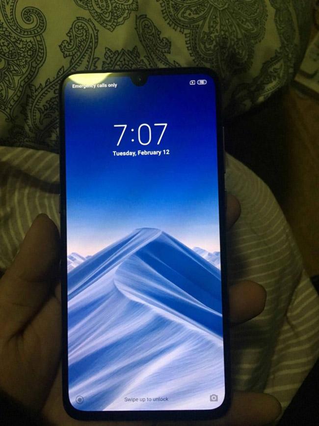 Xiaomi Mi 9 lộ ảnh thực tế đẹp rụng rời - 1