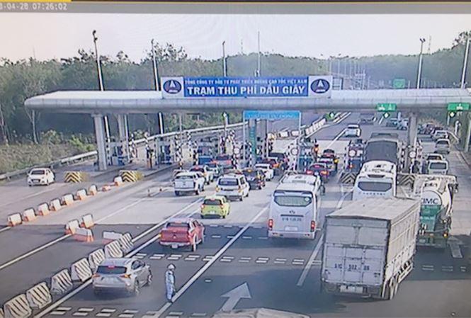 """Tổng cục Đường bộ yêu cầu VEC sửa quy định """"từ chối phục vụ xe vào cao tốc"""" - 1"""