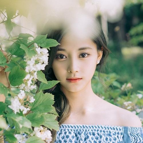 Cô gái Hàn gương mặt đẹp nhất thế giới chỉ ước mình lùn đi! - 1