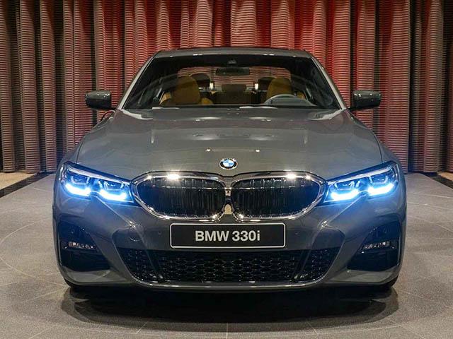 BMW 3-Series 2020 thế hệ mới nổi bật với lớp sơn Dravite Grey Metallic