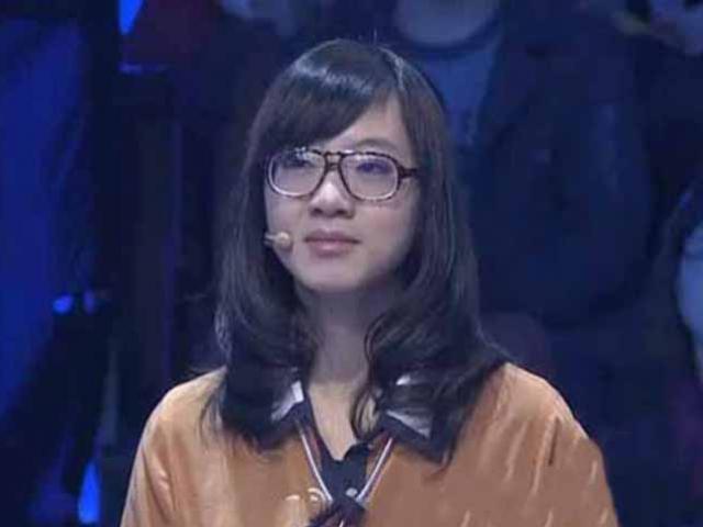 Cô bé 14 tuổi đỗ đại học nhờ cha mẹ có phương pháp giáo dục đặc biệt