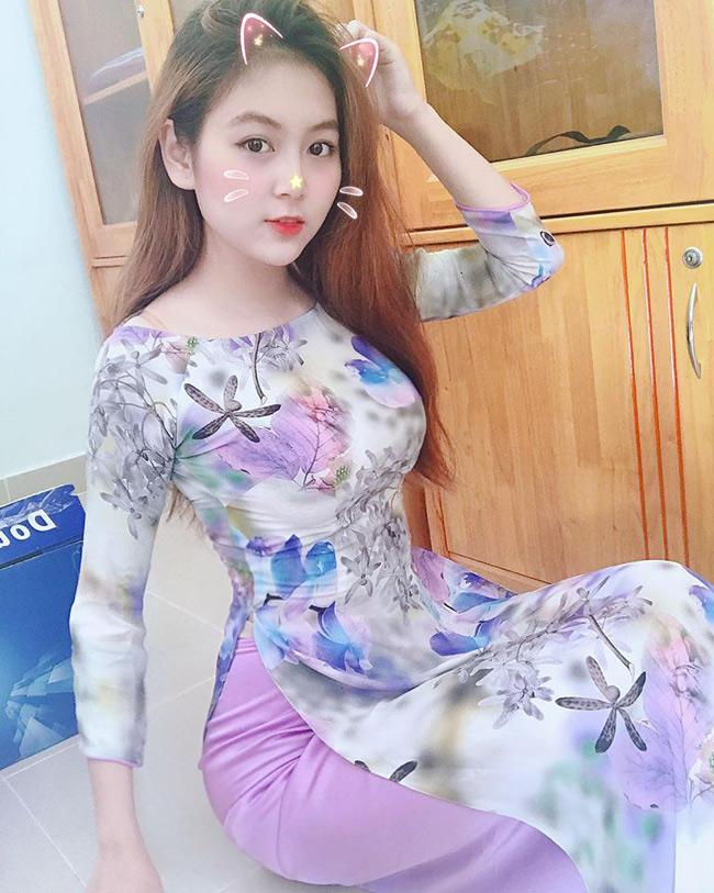 Trần Nam Trân (sinh năm 1996, nữ sinh trường Đại học Sư phạm TP.HCM, thực tập tại một trường tiểu học) là cái tên nổi đình đám vào năm 2018.