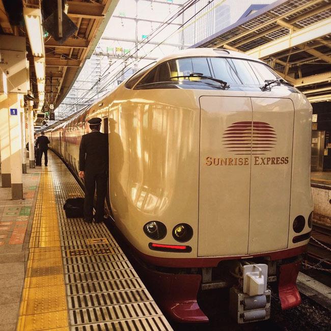 Trải nghiệm đi tàu hỏa ở Nhật là đẳng cấp hoàn toàn khác biệt với phần còn lại của thế giới - 1